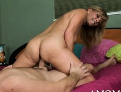 Sex-hunger older feels well being impaled on hard cock