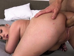 Attractive stunner Harley Jade is just lamentable for sex in this steamy fuck action