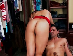 Ryan Driller explores the width of yummy Jessyca Wilsons wet beaver with his cocktail lounge